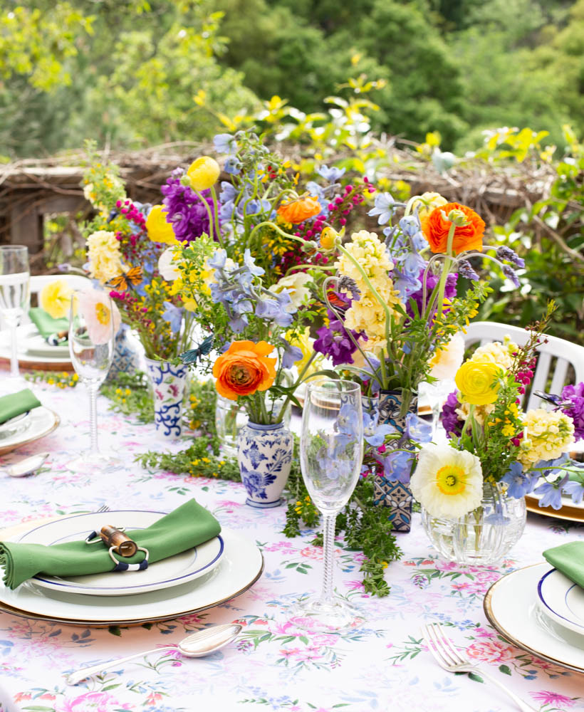 ca8268f2896a Setting a beautiful table starts with a surface. This can be anything from  a fancy dining table to a cheap pop up version. If you have a surface that  isn't ...
